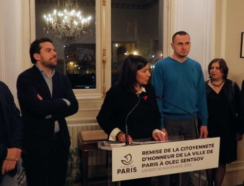Vidéo. Retour sur la cérémonie de remise de la citoyenneté d'honneur de la Ville de Paris à Oleg Sentsov par Anne Hidalgo